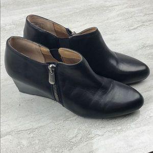 Adrienne Vittadini Midge Ankle Boot
